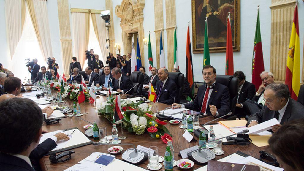 """El presidente del gobierno, Mariano Rajoy, en la cumbre del grupo '5+5"""" celebrada este viernes en Malta"""