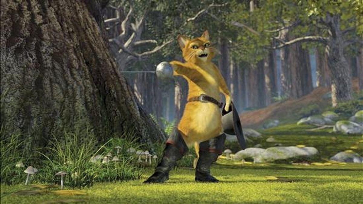 """Según informa el portal especializado Comingsoon.net, Banderas confirmó que ha recibido el guión para la película basada en el minino amigo del popular """"Shrek"""". EFE/Archivo"""