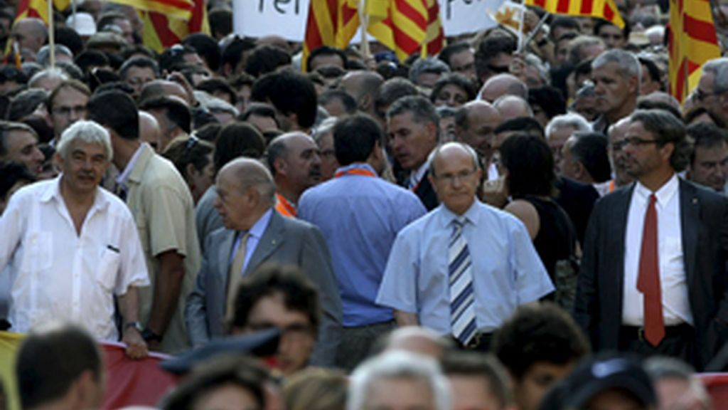 El presidente José Montilla ha sufrido un pequeño altercado en la marcha. Foto: EFE