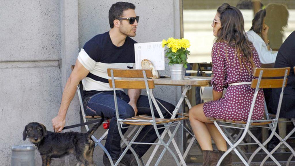 La pareja disfrutó de unas cañitas en una terraza madrileña