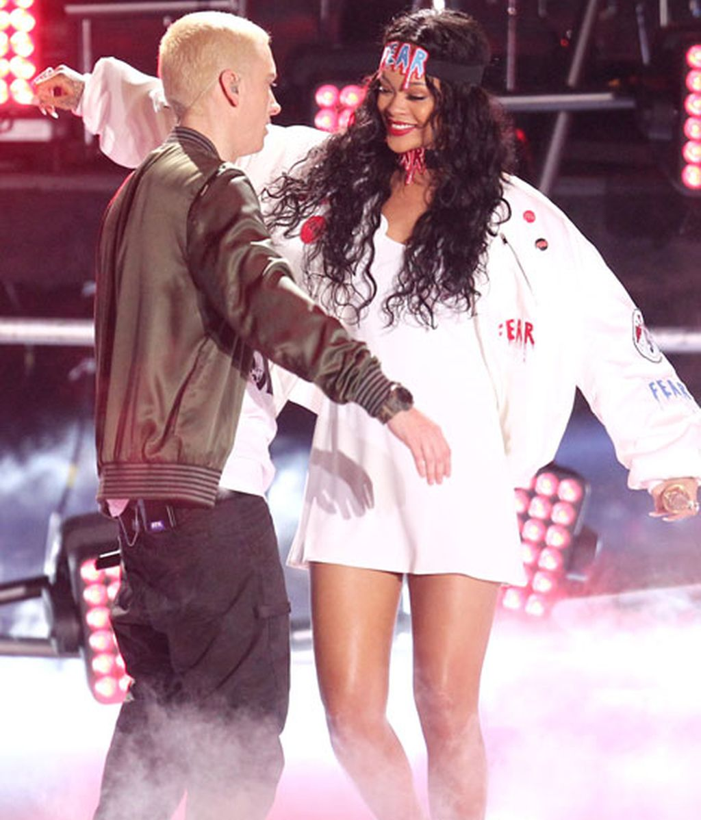 Eminem y Rihanna interpretaron 'The Monster'