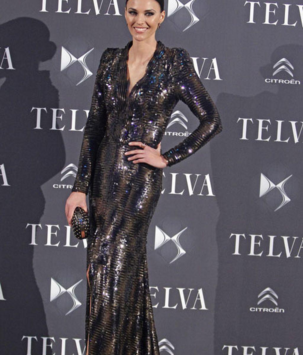 La modelo Helen Lindes deslumbró con un vestido de Dolores Promesas
