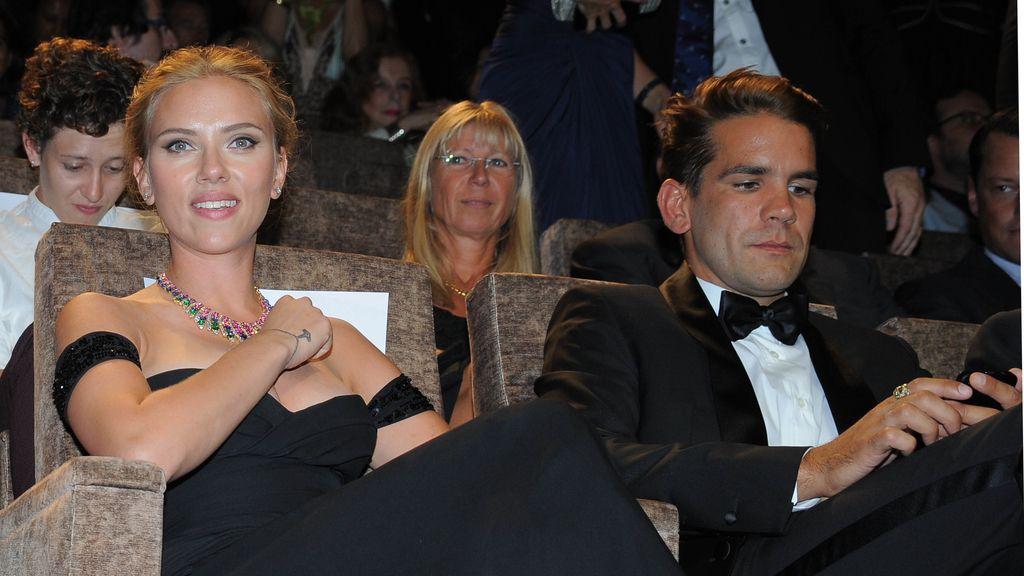 Scarlett Johansson se casa con el periodista Romain Dauriac