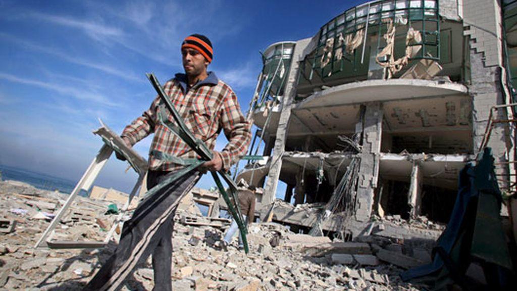 El Ejército israelí ataca a 60 objetivos palestinos en la ofensiva en Gaza