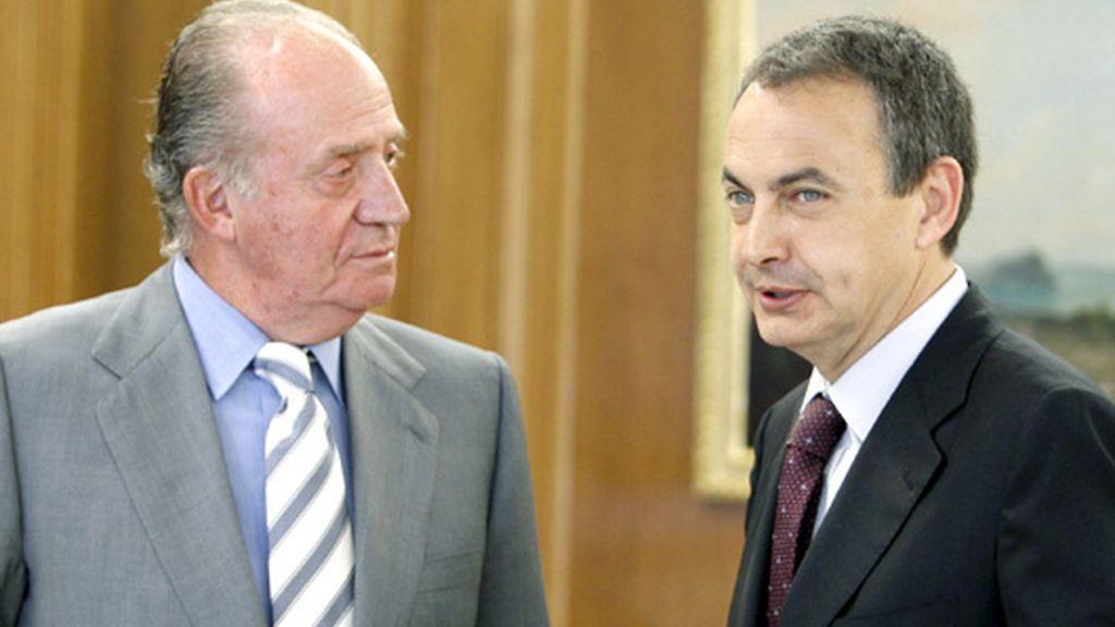 El Rey propone para la investidura a Zapatero