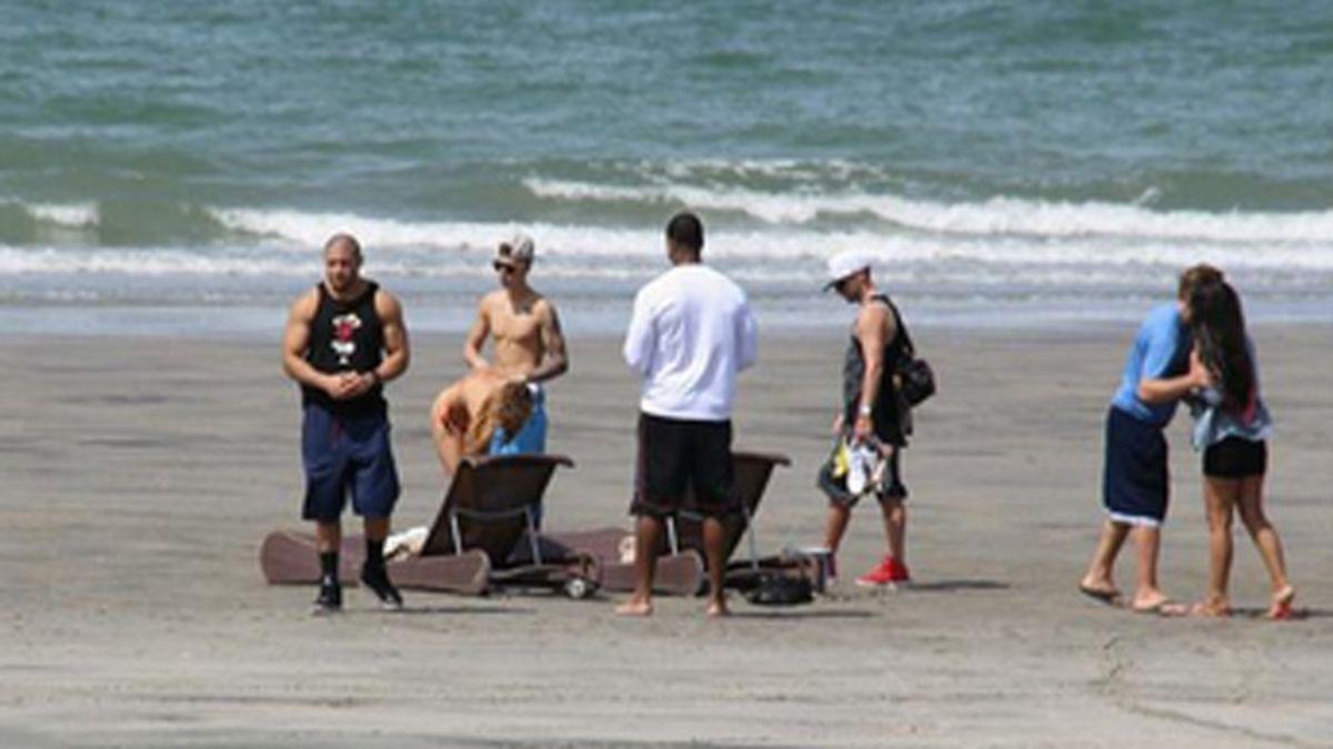 Justin Bieber se ampara en las playas de Panamá
