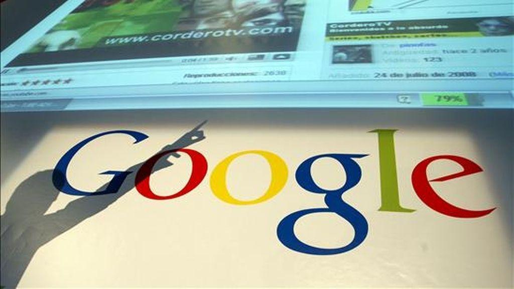 Google ha digitalizado desde 2007 más de 35.000 libros de La Biblioteca de Cataluña, desde que ambas partes firmaron un acuerdo hace dos años para situar en Internet una selección de sus fondos no sujetos a derechos de autor. EFE/Archivo