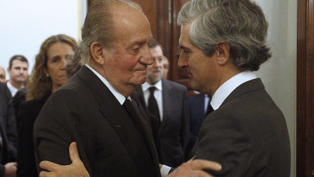 """El Rey, emocionado, asegura que la muerte de Adolfo Suárez es """"una gran pena"""""""