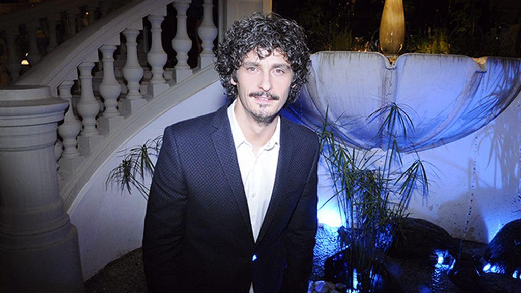 Antonio Pagudo, muy elegante con traje de García Madrid