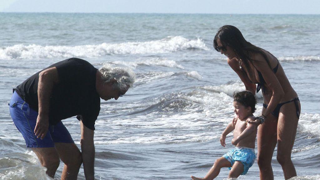 Los Briatore, en plan familia feliz en una ciudad balneario