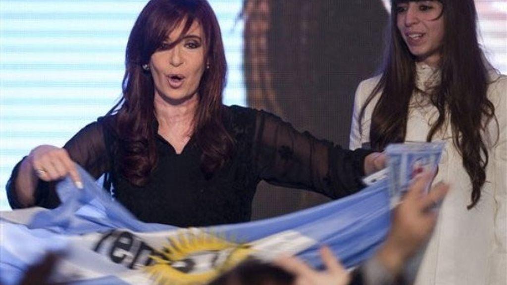 Cristina Fernández se impone en las primarias