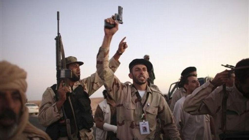 Gadafi será juzgado por crímenes contra la Humanidad en caso de ser capturado con vida