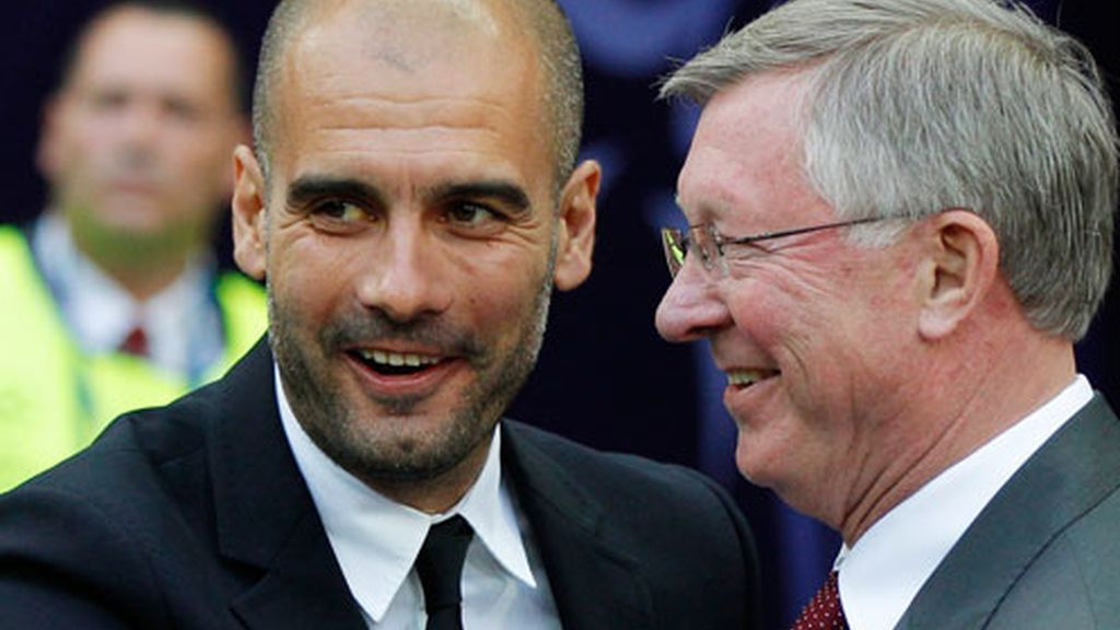 Guardiola y Ferguson se saludan