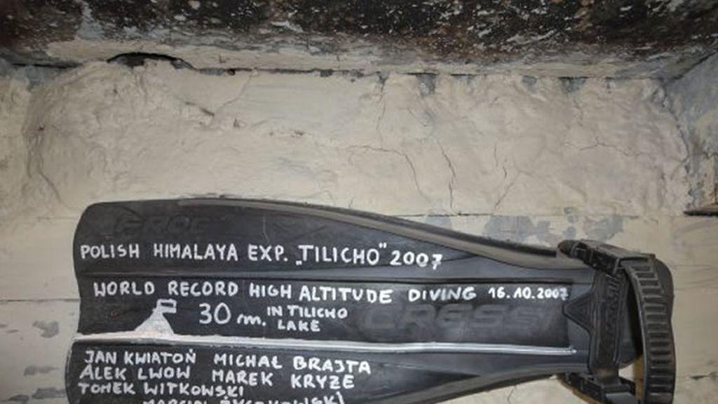 Récord del mundo de profundidad en el ago Tilicho