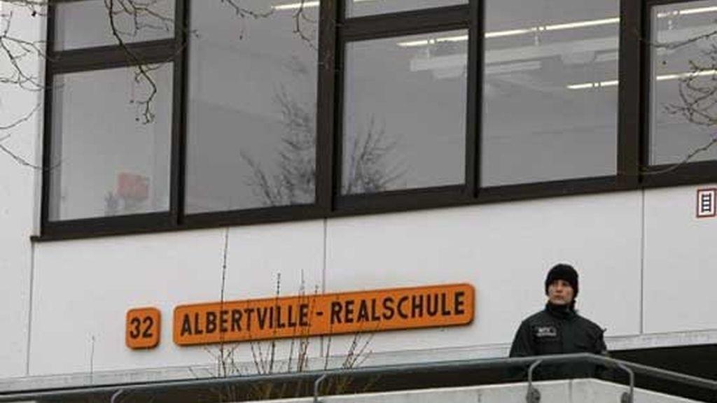 La policía rodea la escuela