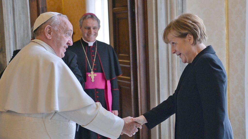 """El Papa ante Merkel: """"El trabajo de los Jefes de Estado es proteger a sus pobres"""""""
