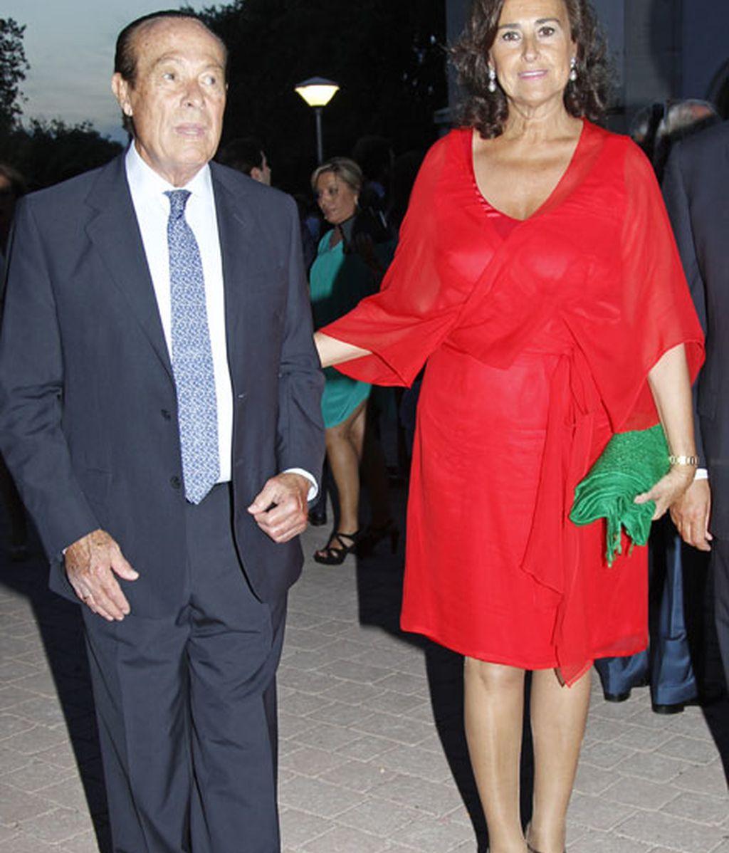 Carmen Tello junto al torero Curro Romero