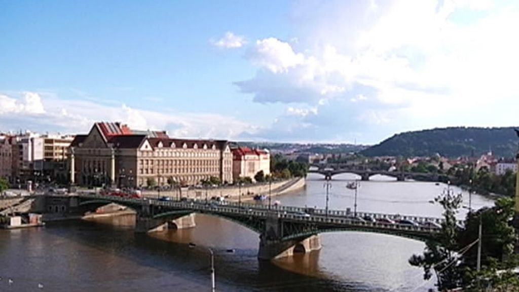 Puento sobre el río Moldavia