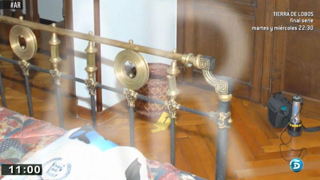 La habitación en la que encontraron la papelera con la cuerda