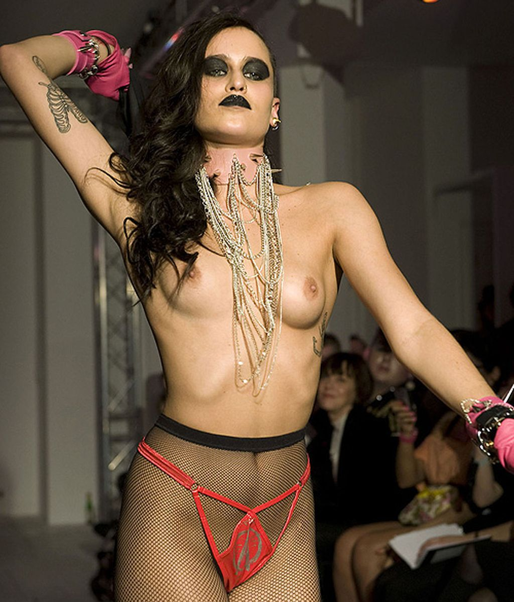 Alice Dellal nueva imagen de Chanel