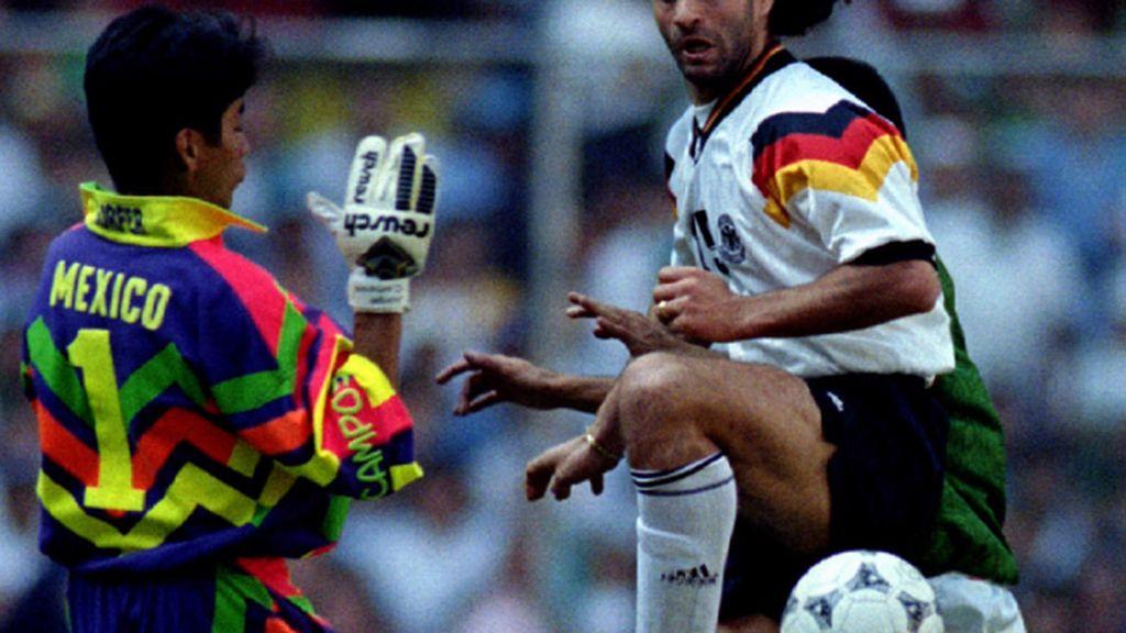 Jorge Campos, o la camiseta más fea de la historia de los mundiales