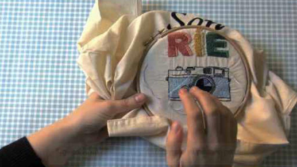 Capítulo 12 de Tricotosas: Bolso de lona bordada