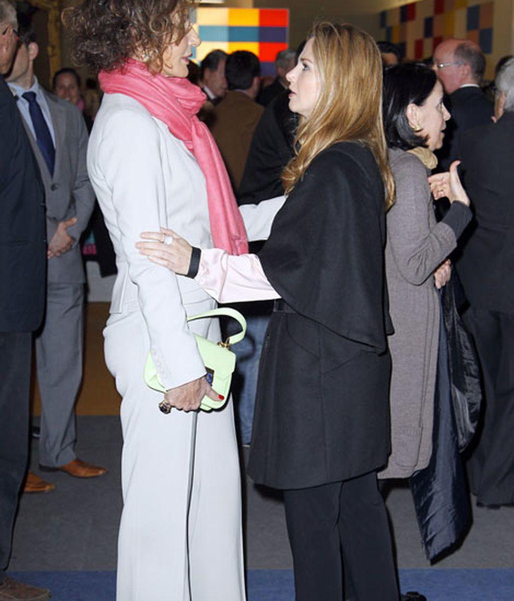 Nati y Genoveva: yo te toco, tú me tocas