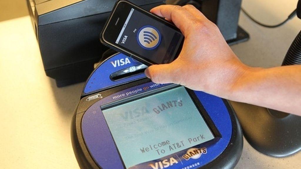 La NFC es una tecnología inalámbrica  que permite intercambiar datos entre dispositivos a menos de 10 centímetros, sin necesidad de contacto.