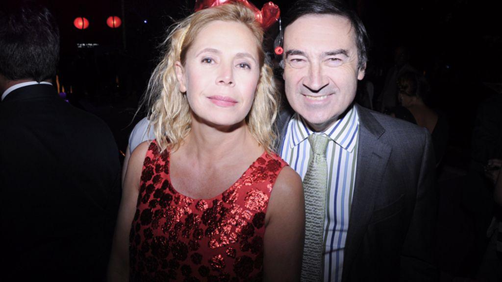 La diseñadora Agatha Ruiz de la Prada y su marido Pedro J. Ramirez fueron de los primeros en abandonar la fiesta