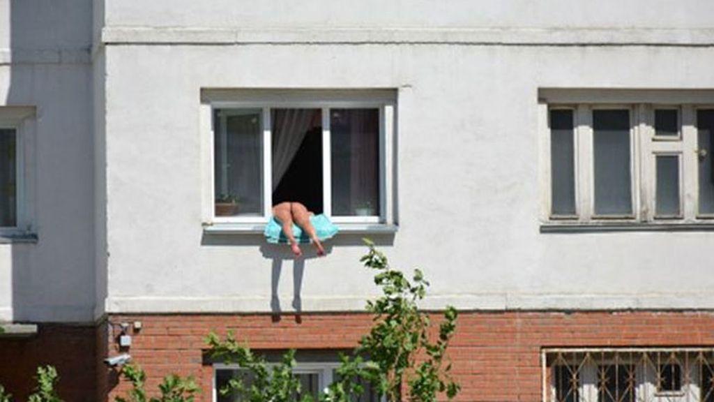 Novosibirsk, desnudo, mujer desnuda, desnuda al sol
