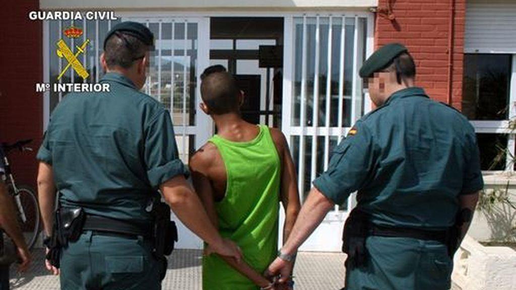 La teniente de la Guardia Civil de Calviá ordena no avisar a los familiares de los detenidos negros,