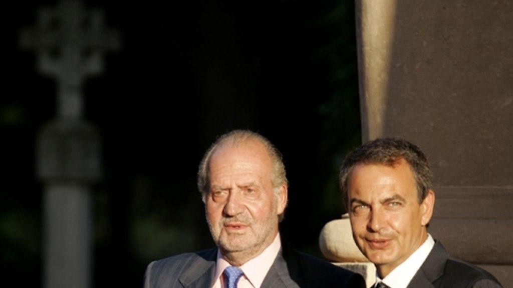 Reunión de Zapatero y el Rey en el palacio de Miravent