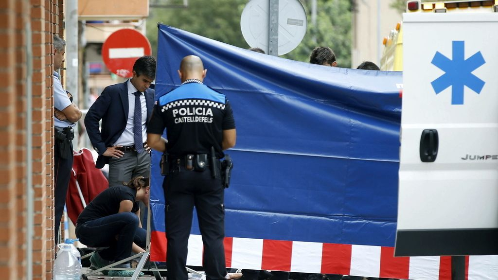 Un hombre mata a puñaladas a su expareja en plena calle en Castelldefels