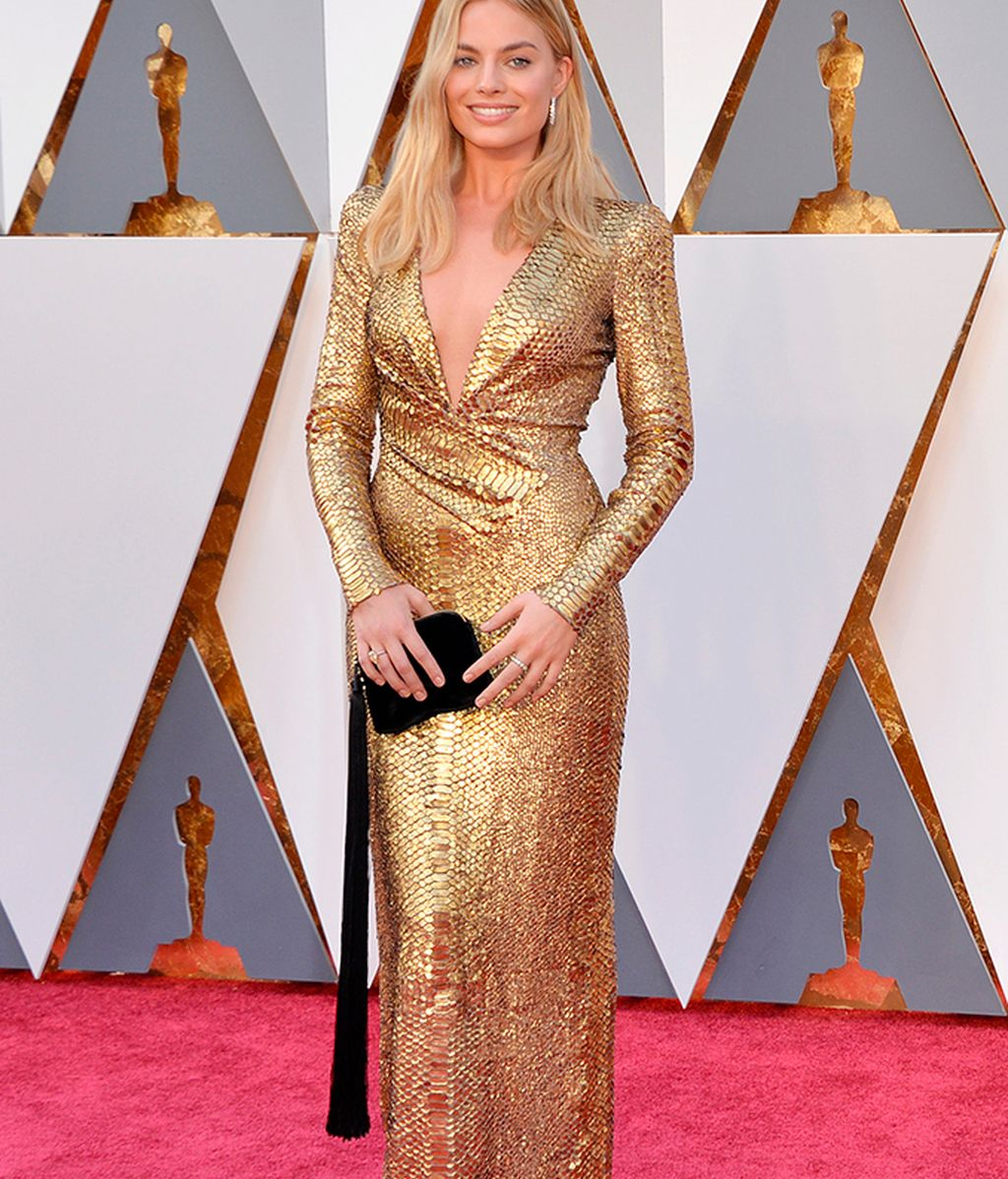 Margot Robbie con vestido de Tom Ford