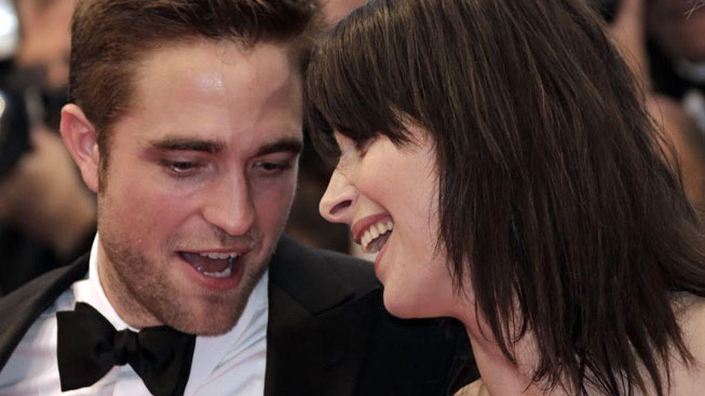 Robert Pattinson y Juliette Binoche