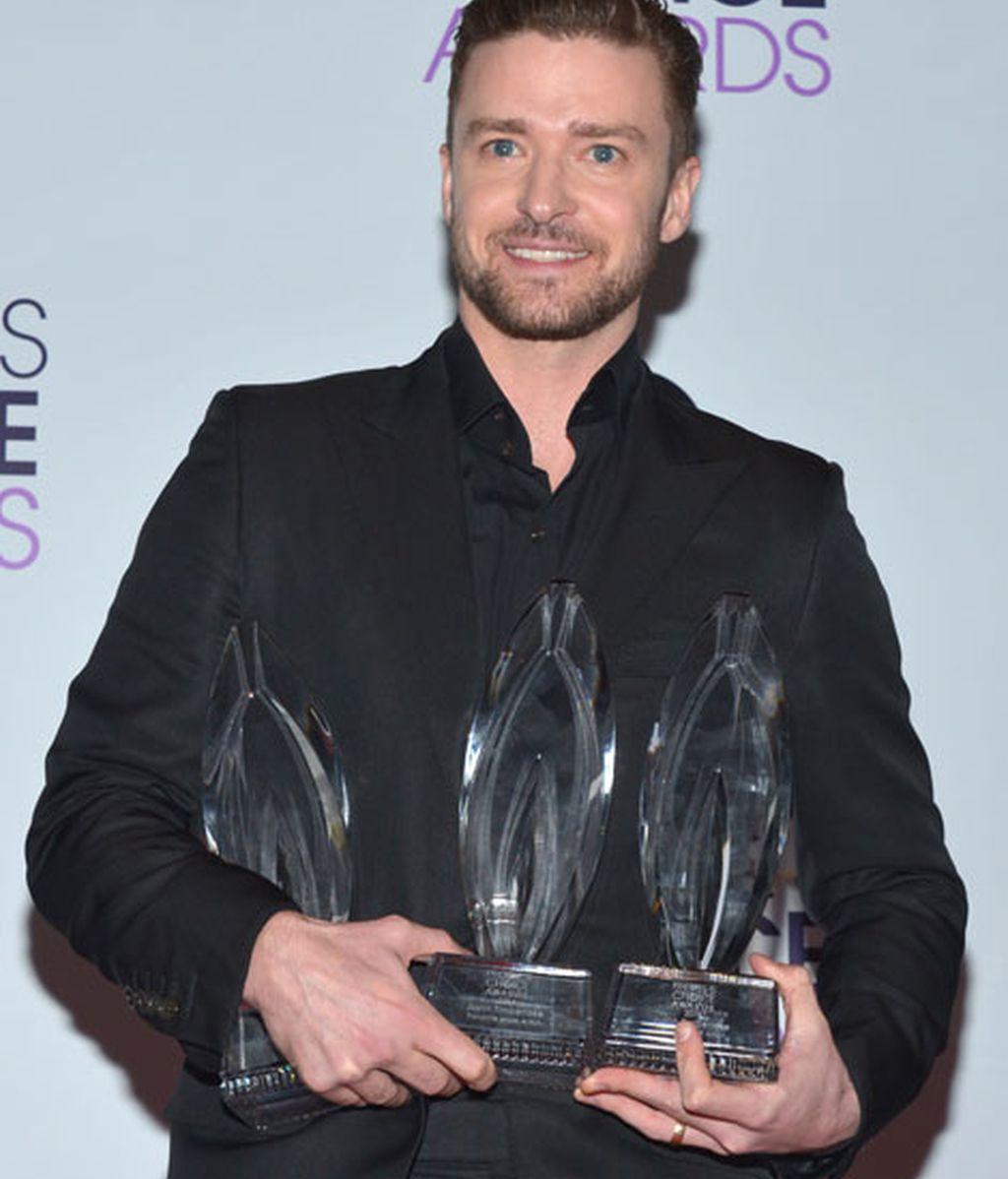 Justin Timberlake fue otro de los ganadores de la noche con tres premios