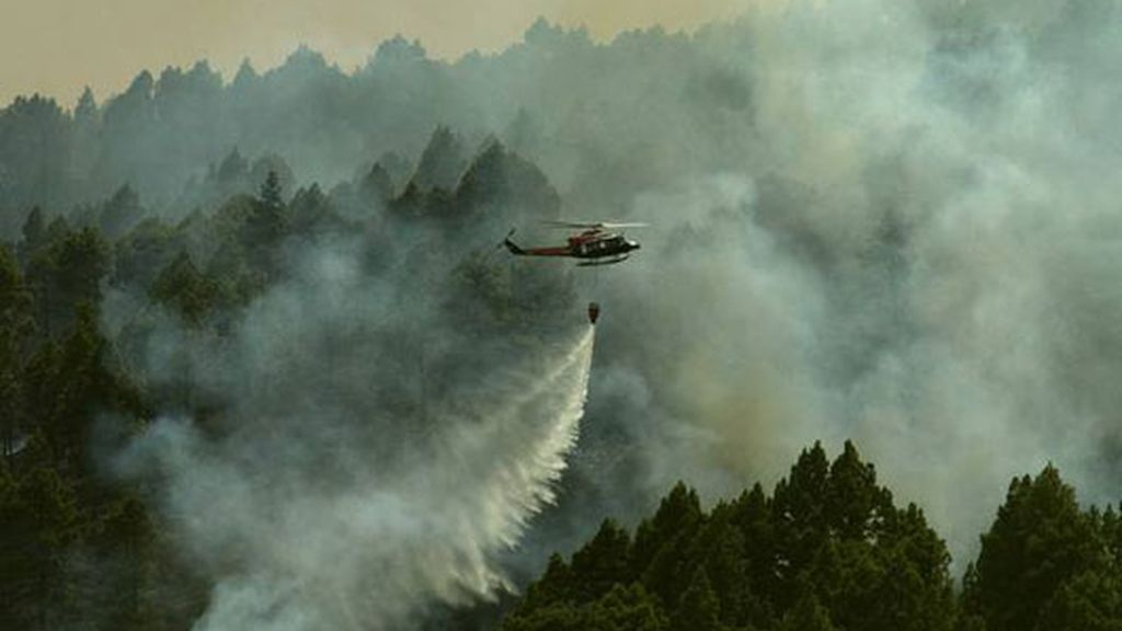 El incendio de La Palma sigue activo y sin control
