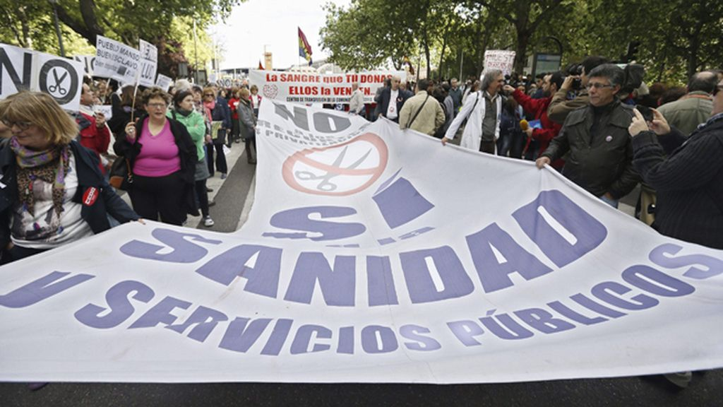 """Cuatro 'Mareas' salen a la calle en Madrid contra el """"desmantelamiento de los servicios públicos"""""""