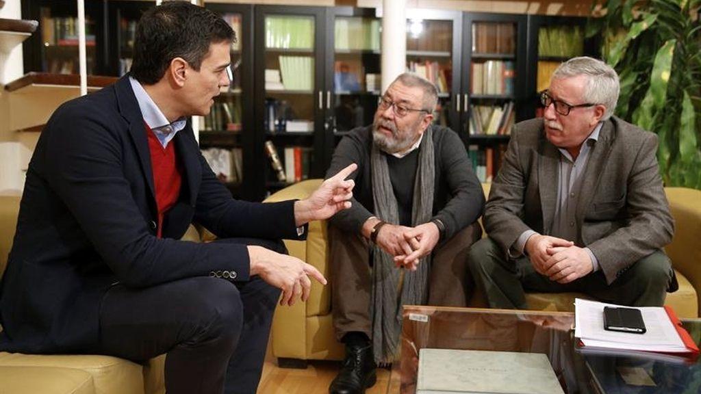 Sánchez se reúnen con los líderes de los sindicatos mayoritarios