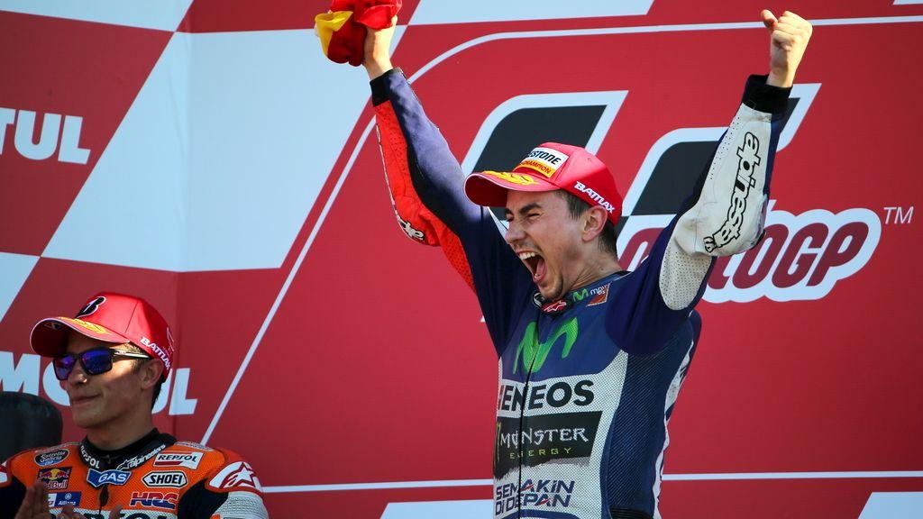 Lorenzo, momento de alegría máxima después de proclamarse tricampeón (8/11/2015)