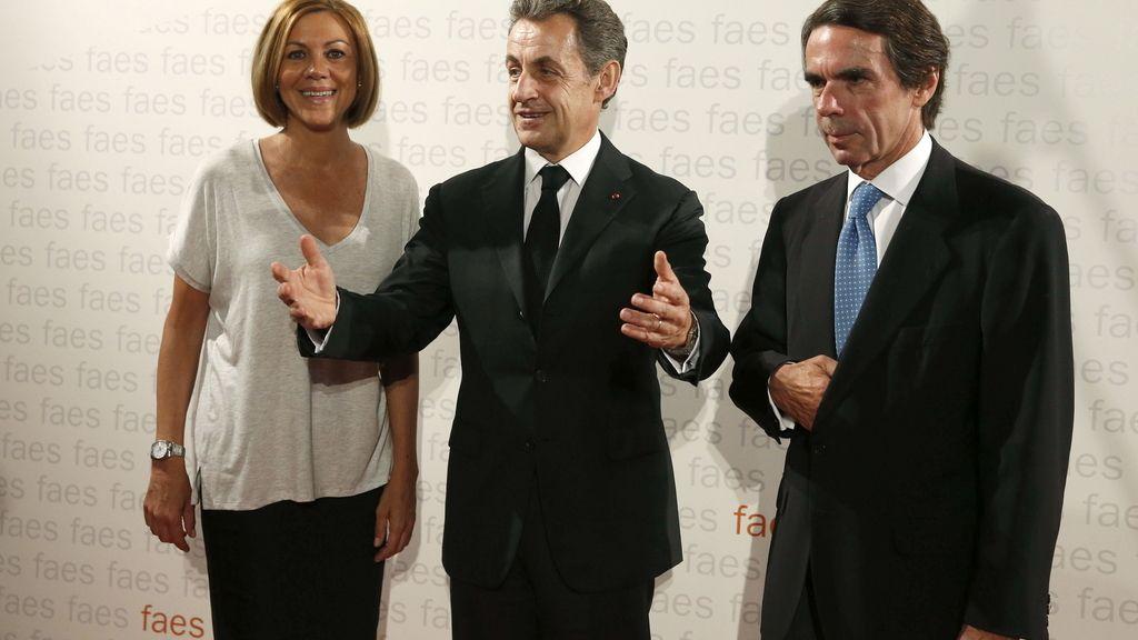 María Dolores de Cospedal, Nicolás Sarkozy y José María Aznar