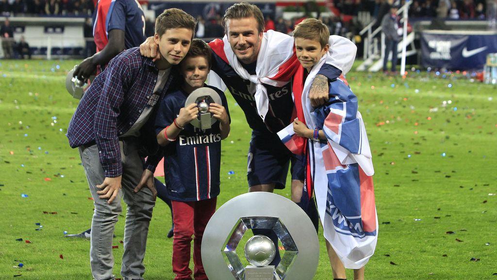 Emocionado con sus hijos y el título de liga