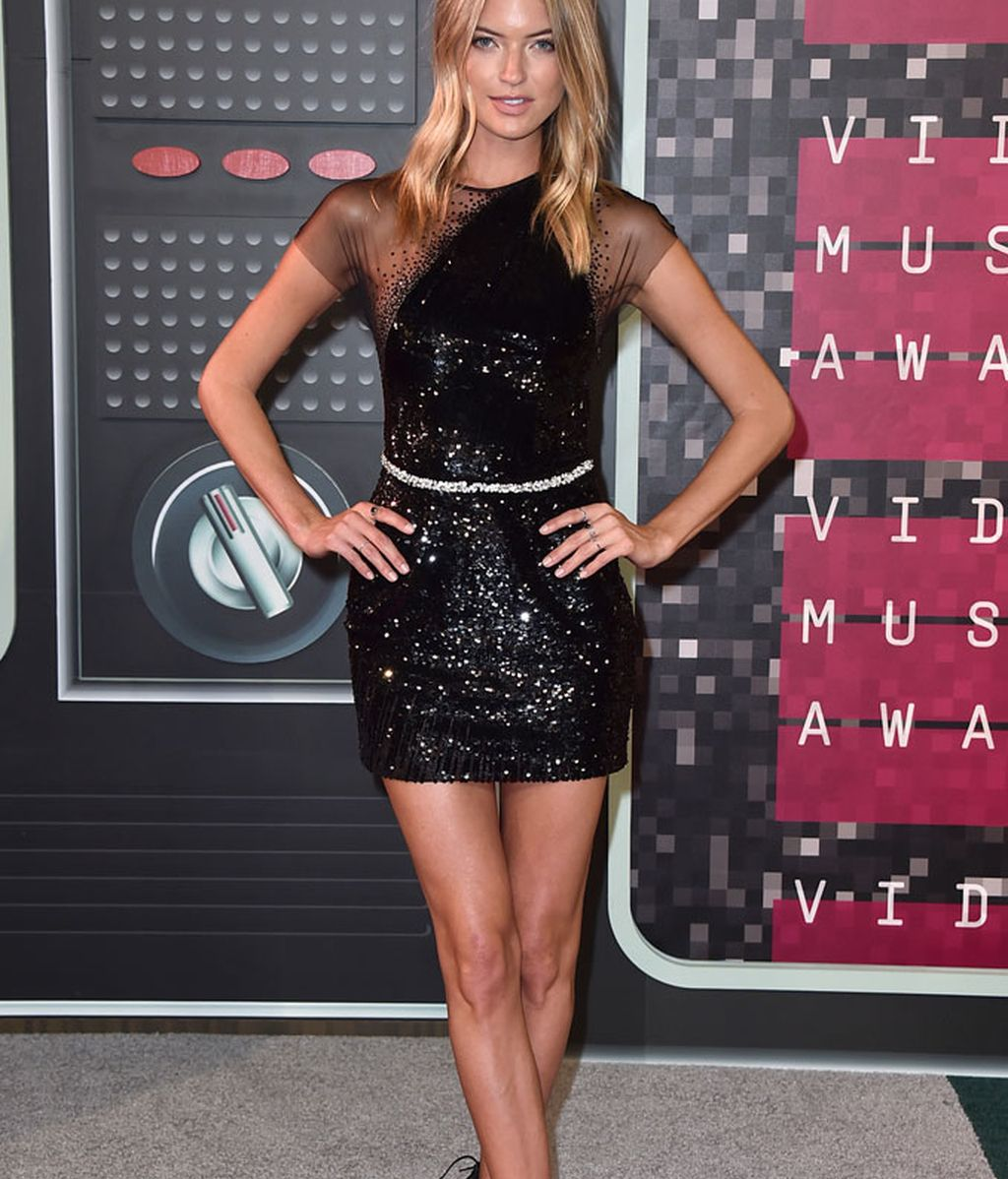Martha Hunt de George Chackra en los MTV