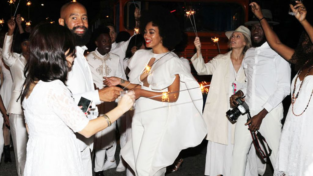 Solange llegó al altar con 'I love the lord, he heard me cry', de Donny Hatthaway
