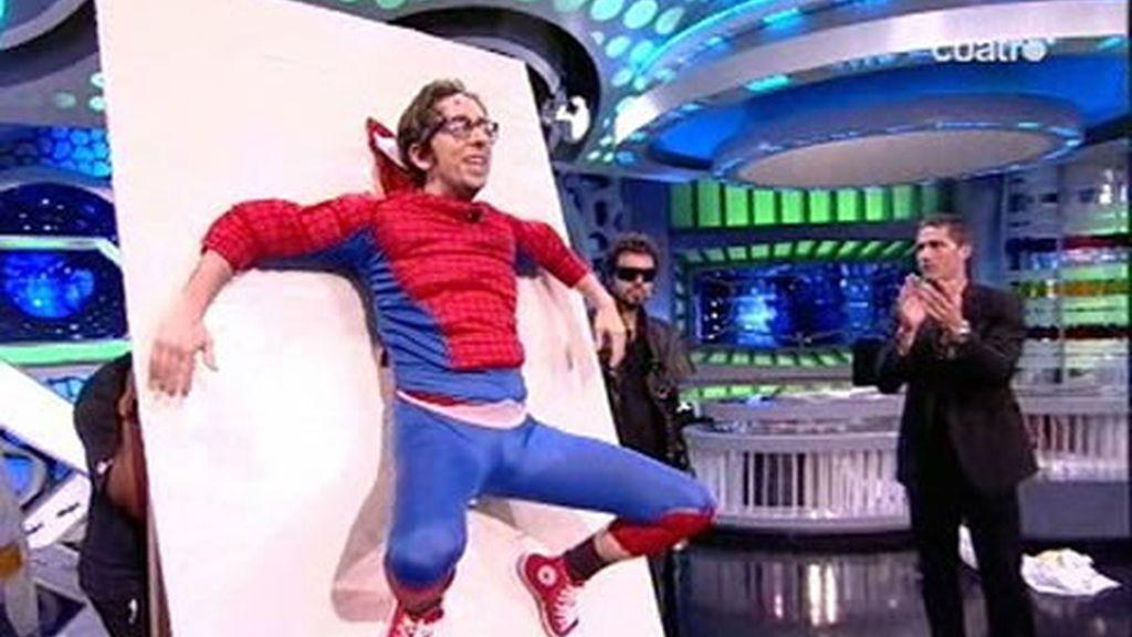 SpiderFlipy se gana el aplauso de Matthew Fox