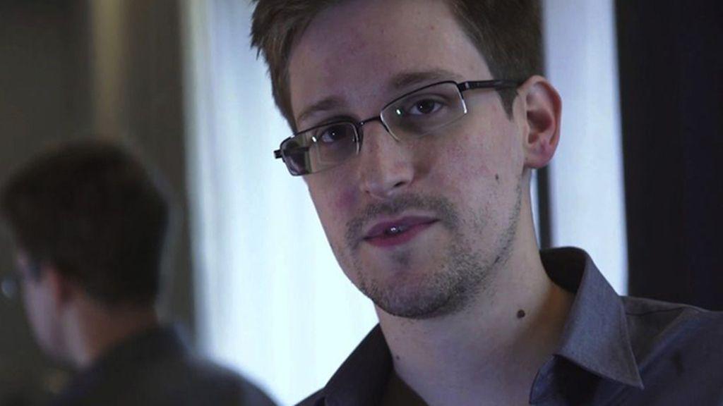 Edward Snowden sigue en la zona de tránsito del aeropuerto ruso