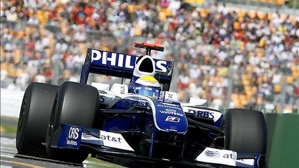 Rosberg manda en los Libres