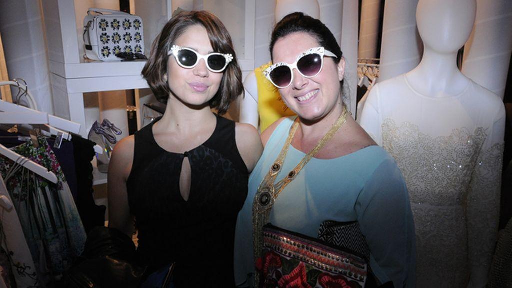 Elena Furiase y Elena Lázaro, estupendas con estas gafas tan sixties