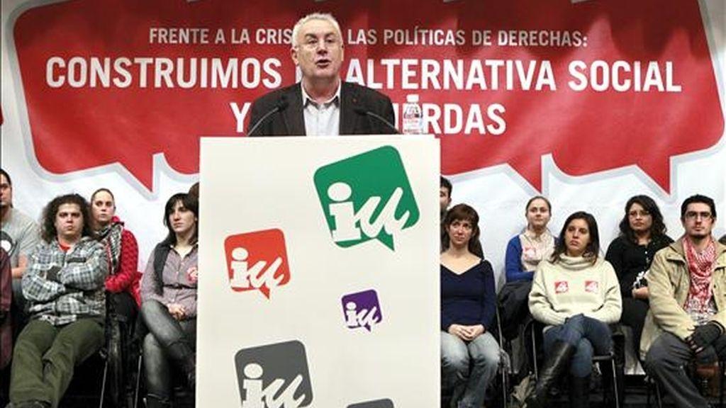 El coordinador general de IU, Cayo Lara, durante su intervención en un acto celebrado en el Auditorio Marcelino Camacho de CCOO, en Madrid. EFE