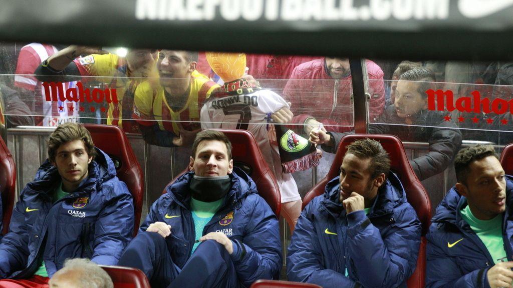 Messi y Neymar, en el banquillo al inicio del partido